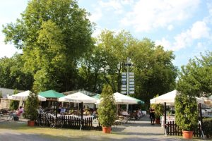 Biergarten Karlsplatz 1