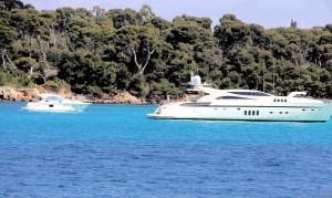 077) Milliardärsboote 77